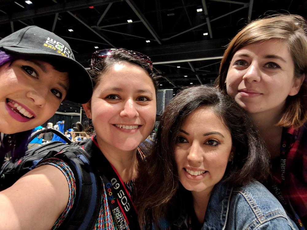 Smok, Dianita Cerón, Vania Soto, and Mariana Palova