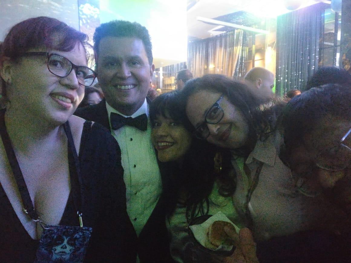 Raquel Castro, John Picacio, Gabriela Damián Miravete, Libia Brenda, and José Luis Zárate at the Hugo Losers Party (Photo by Alberto Chimal)