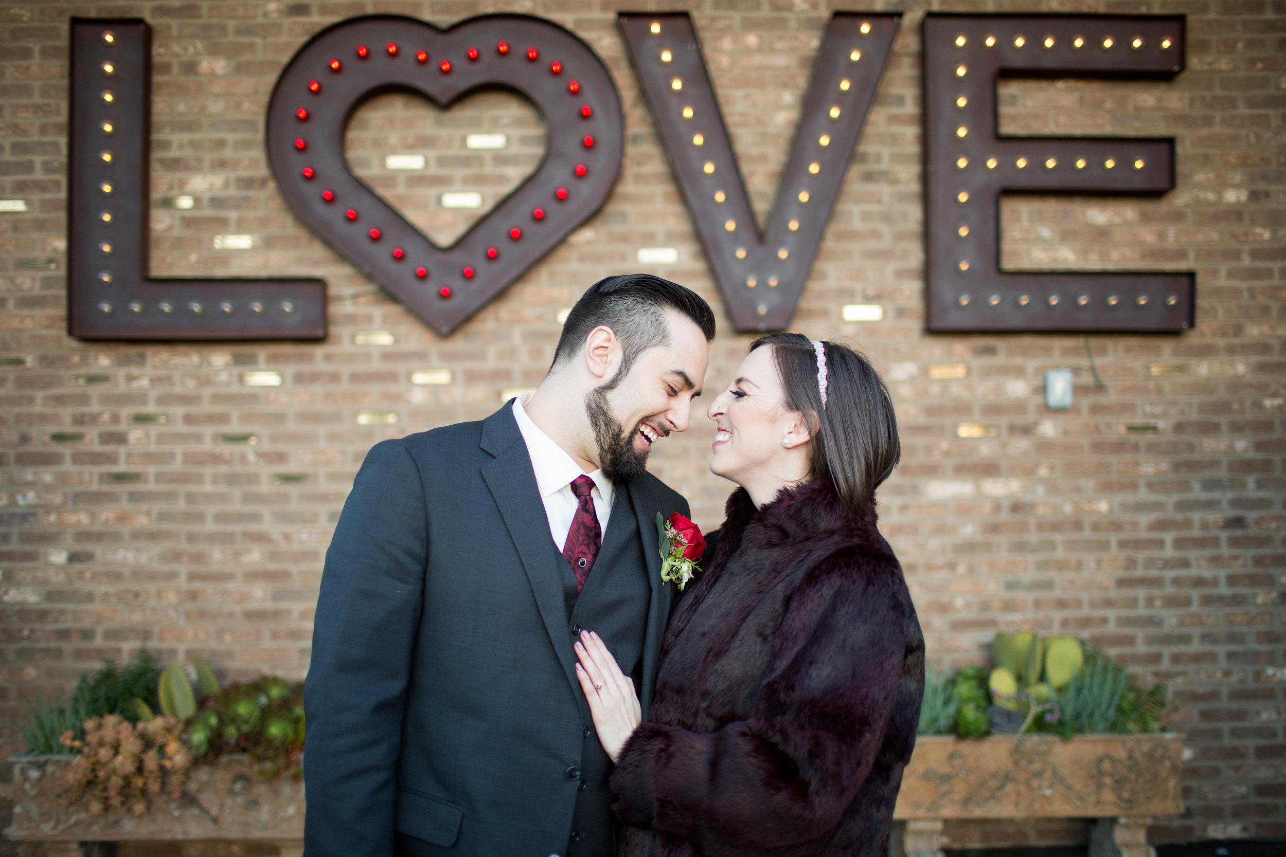 Renee&Jake_WeddingPreviews-011.jpg