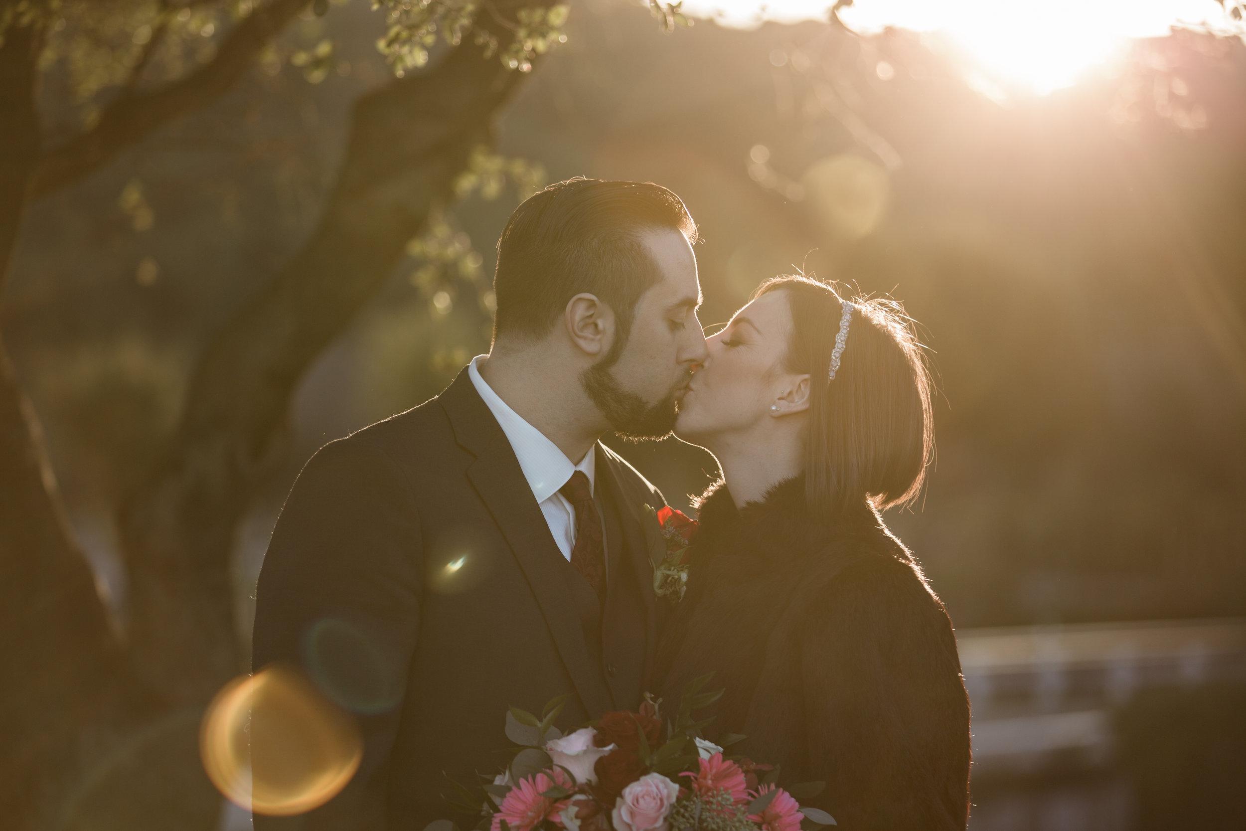 Renee&Jake_WeddingPreviews-009.jpg