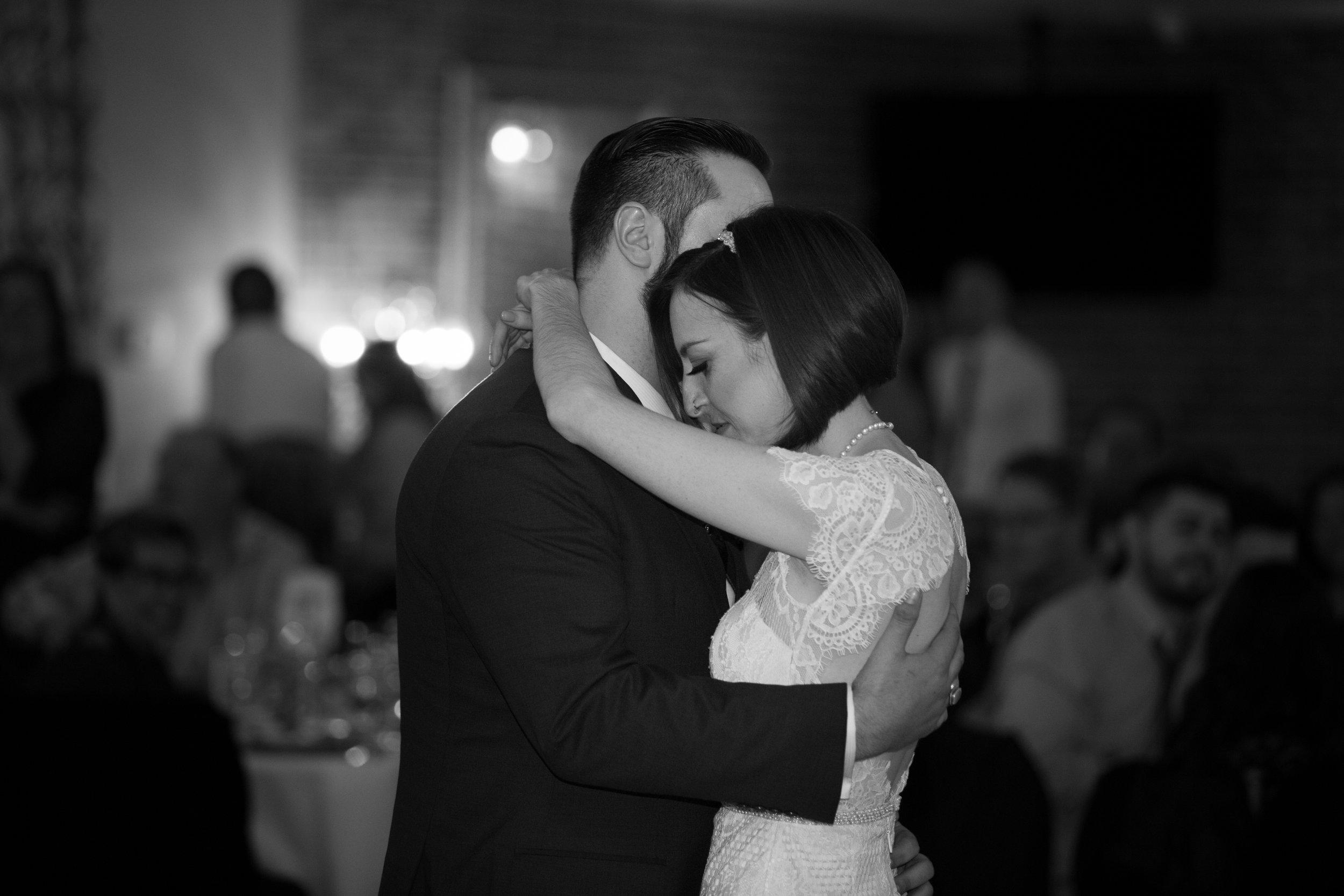 Renee&Jake_WeddingPreviews-014.jpg