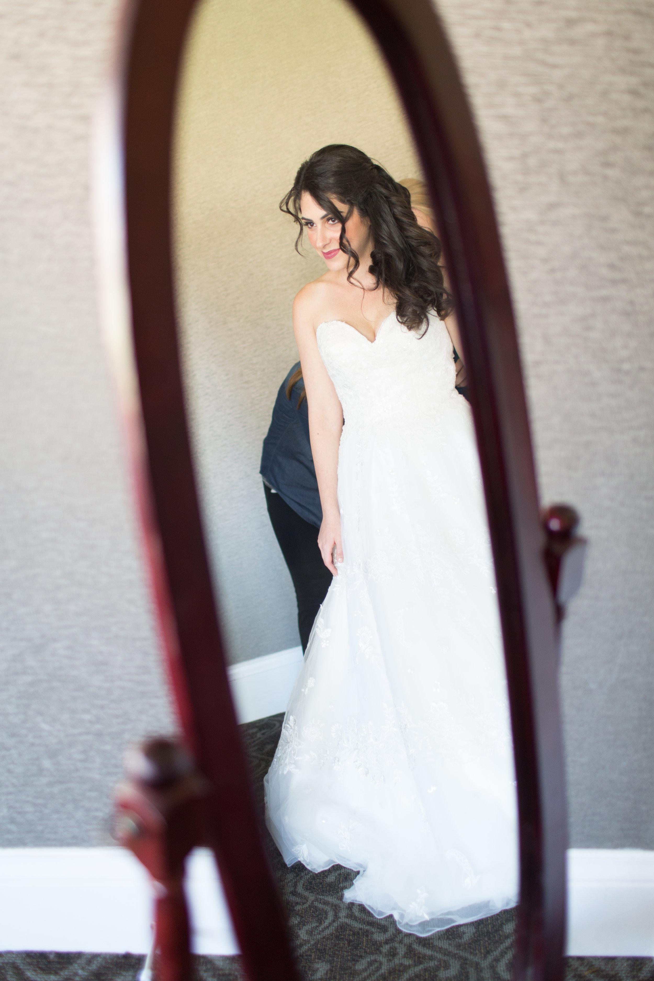 Dana&Mike_WeddingPreviews-002.jpg