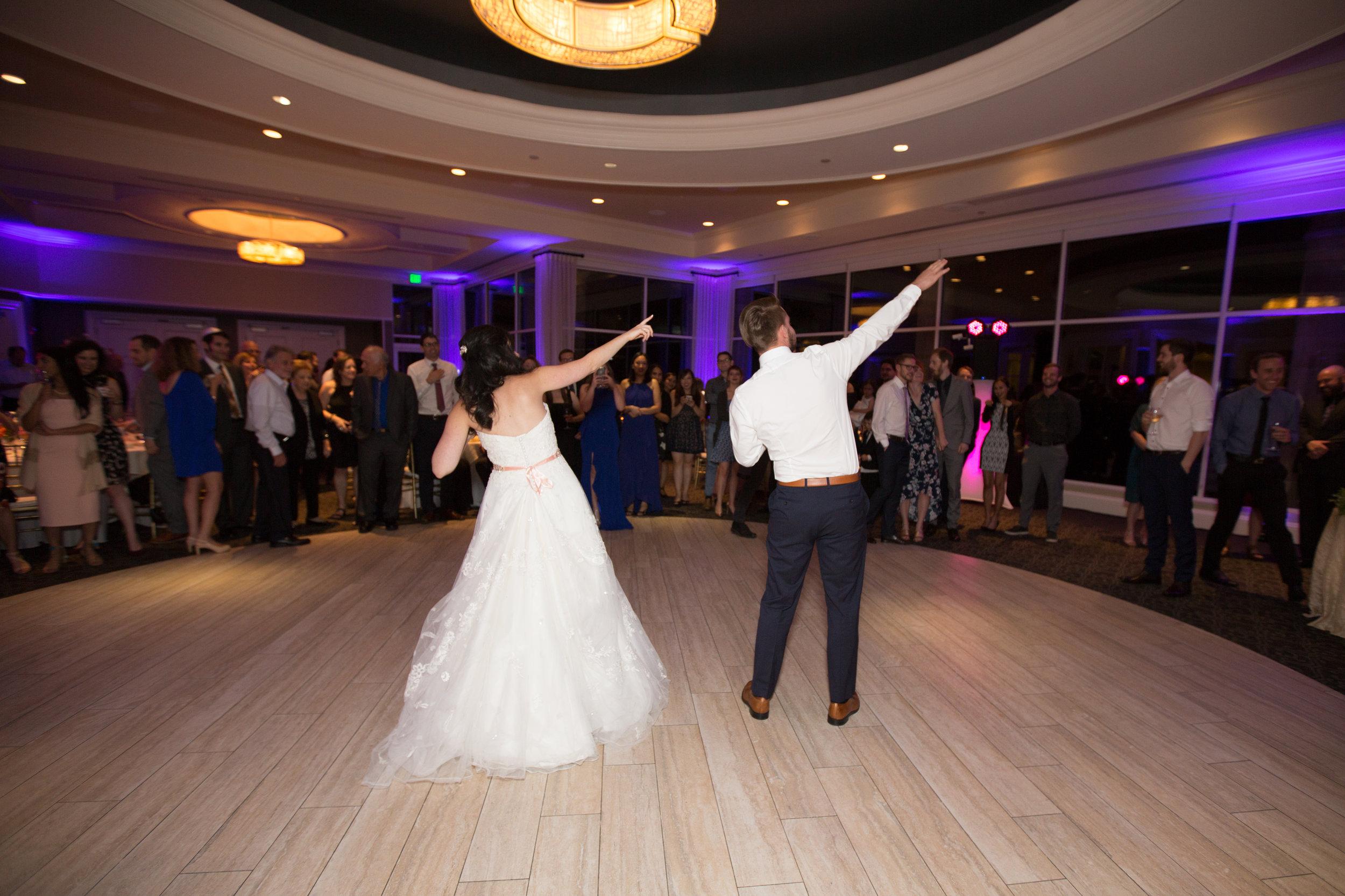 Dana&Mike_WeddingPreviews-028.jpg