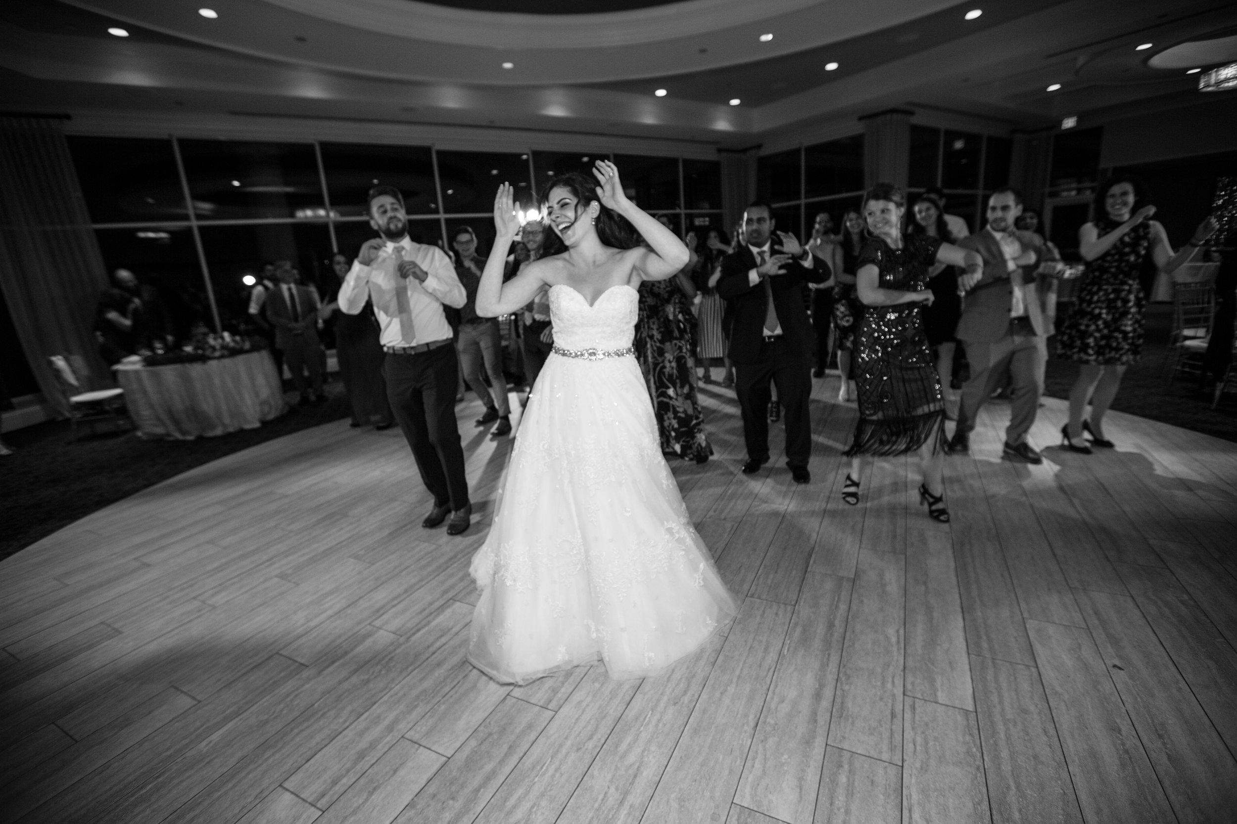 Dana&Mike_WeddingPreviews-029.jpg
