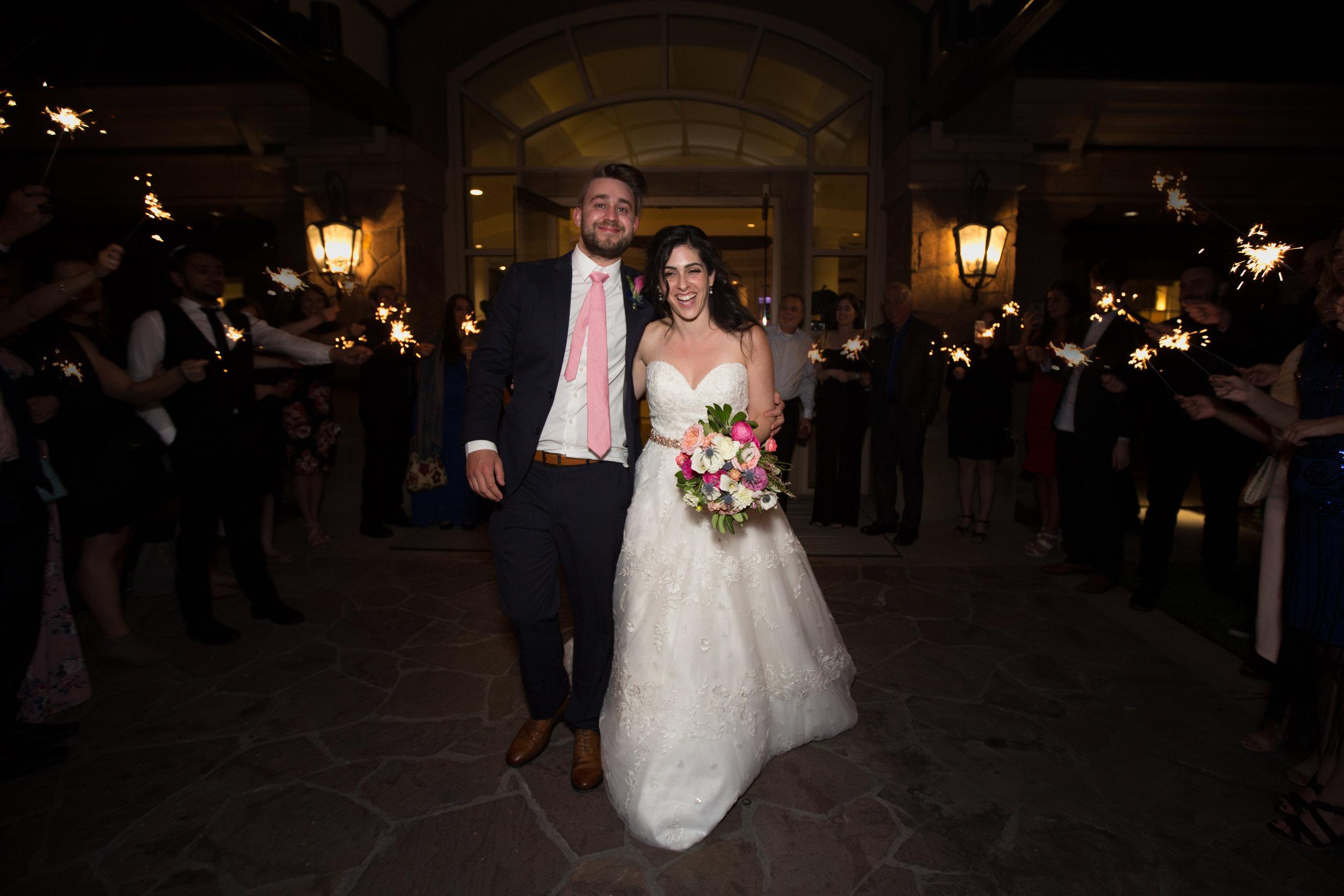 Dana&Mike_WeddingPreviews-035.jpg