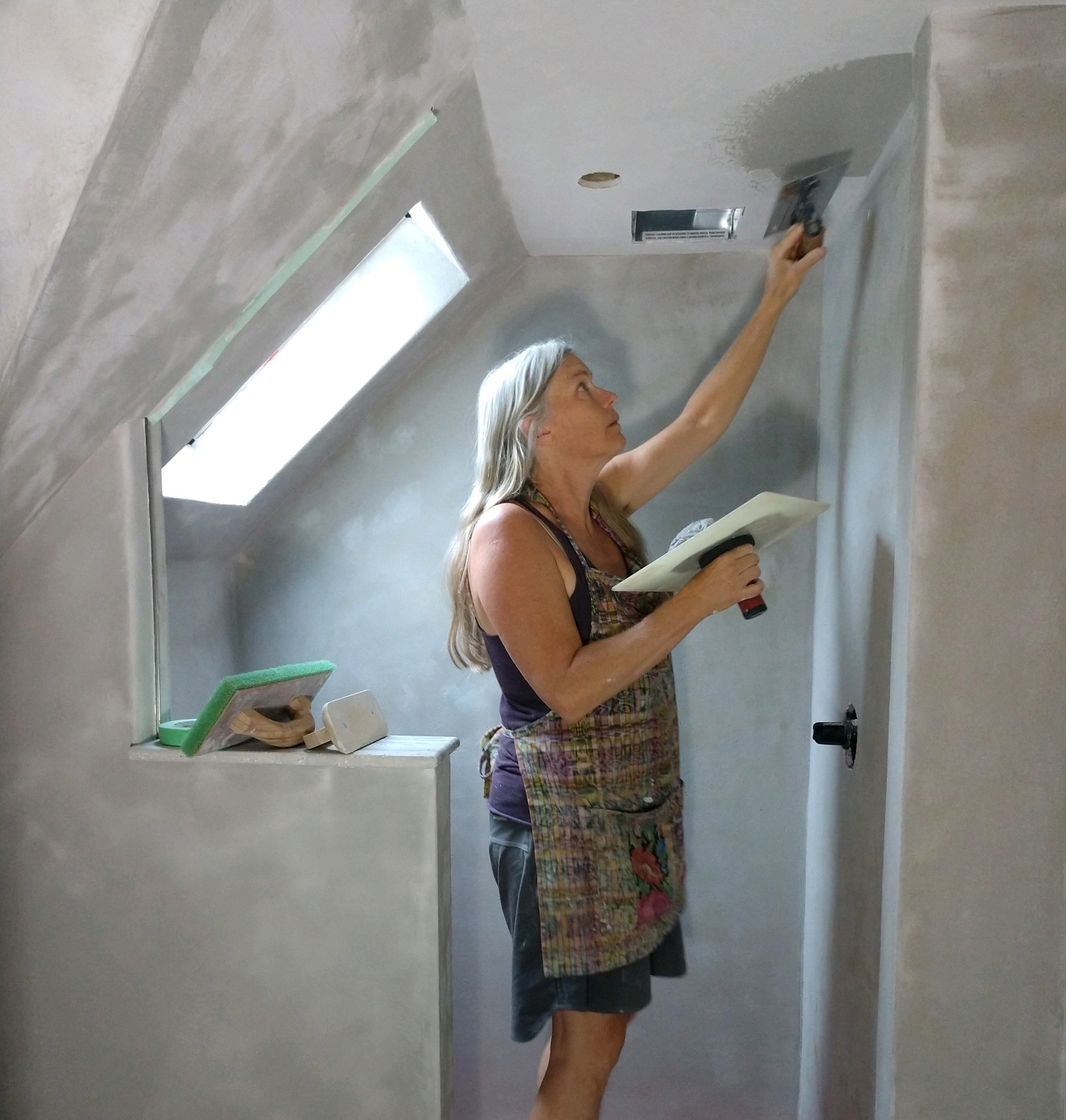 Liz Johndrow, Owner - Liz has been plastering alongside other natural building skills for 15 years. The last eight years she has split her time with teaching skills in rural communities in Central America and when in the states she is plastering. You can also view what keeps her busy the rest of the time here www.terracollaborative.org