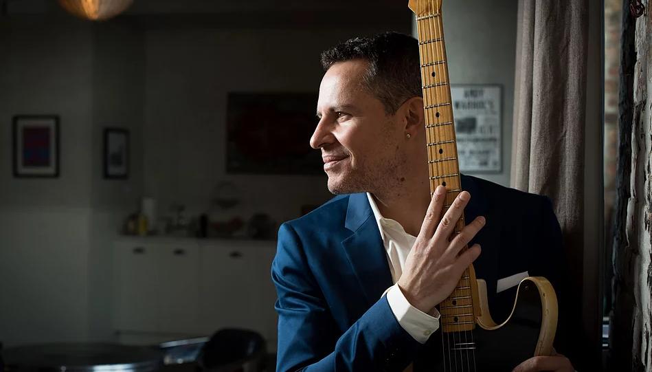 "Guy King is the velvet hurricane."" –   Dennis Rozanski, Baltimore BluesRag.    ""Believe us: one of the greatest contemporary blues musicians has arisen."" -   Ulrick Parfum, SoulBag Magazine, France"