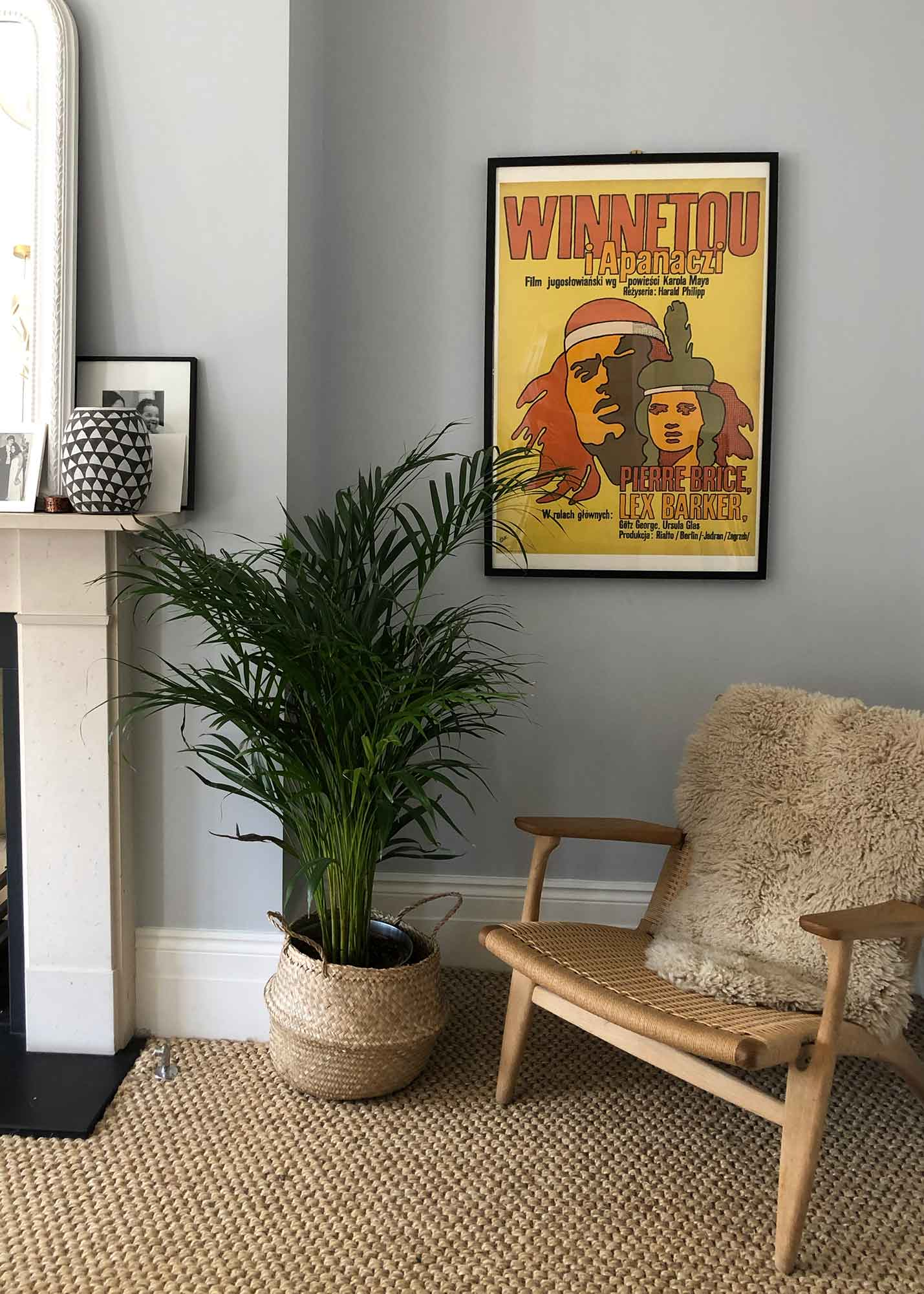 Winnetou heads to a tranquil bedroom in Hackney