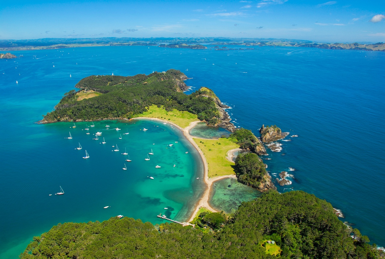 Roberton Island, Bay of Islands.jpg