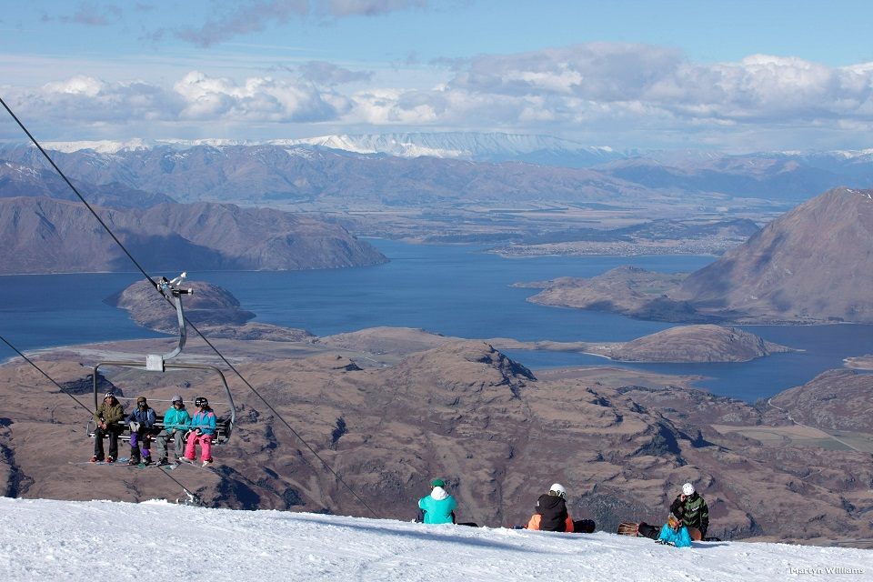 AD219-Treble-Cone-Lake-Wanaka-Martyn-Williams.jpg