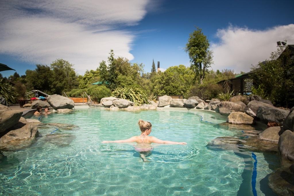 Hanmer Springs Pool.jpg