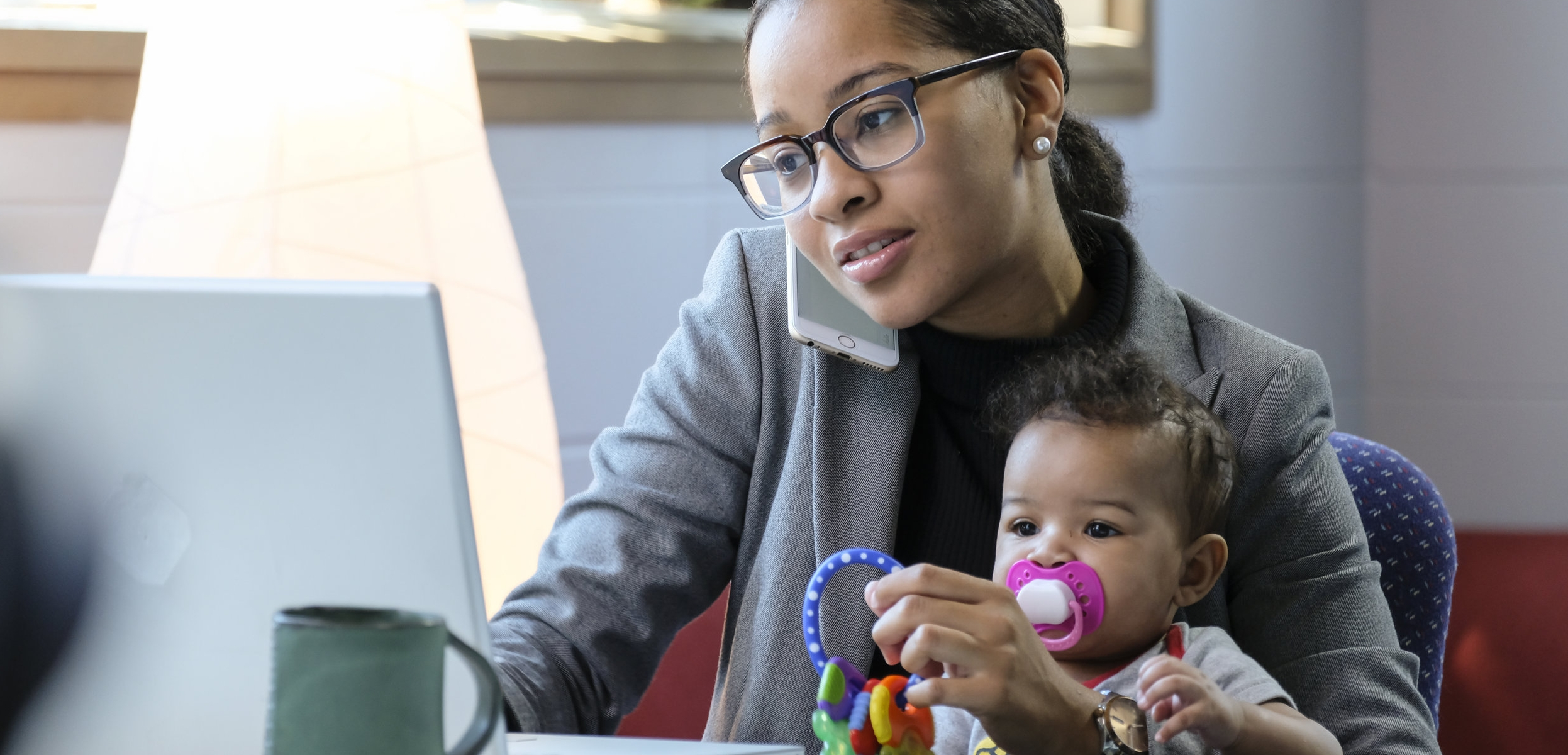 4 ways to overcome working mother guilt