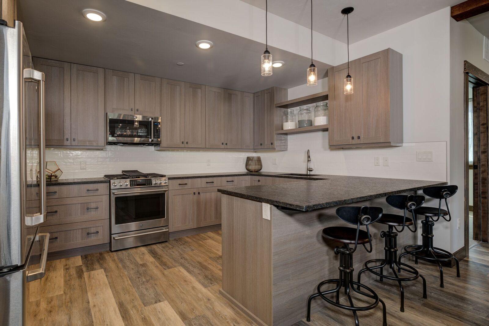 102 Kitchen 4.jpeg