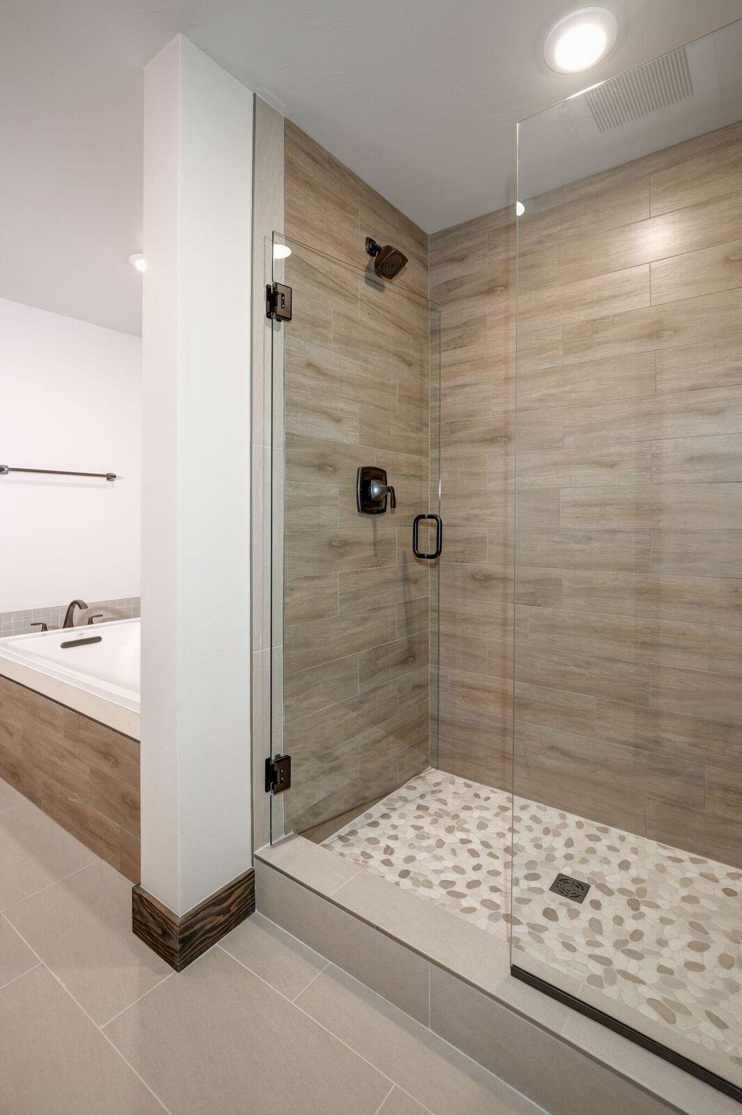 102 Master Bath 3.jpeg