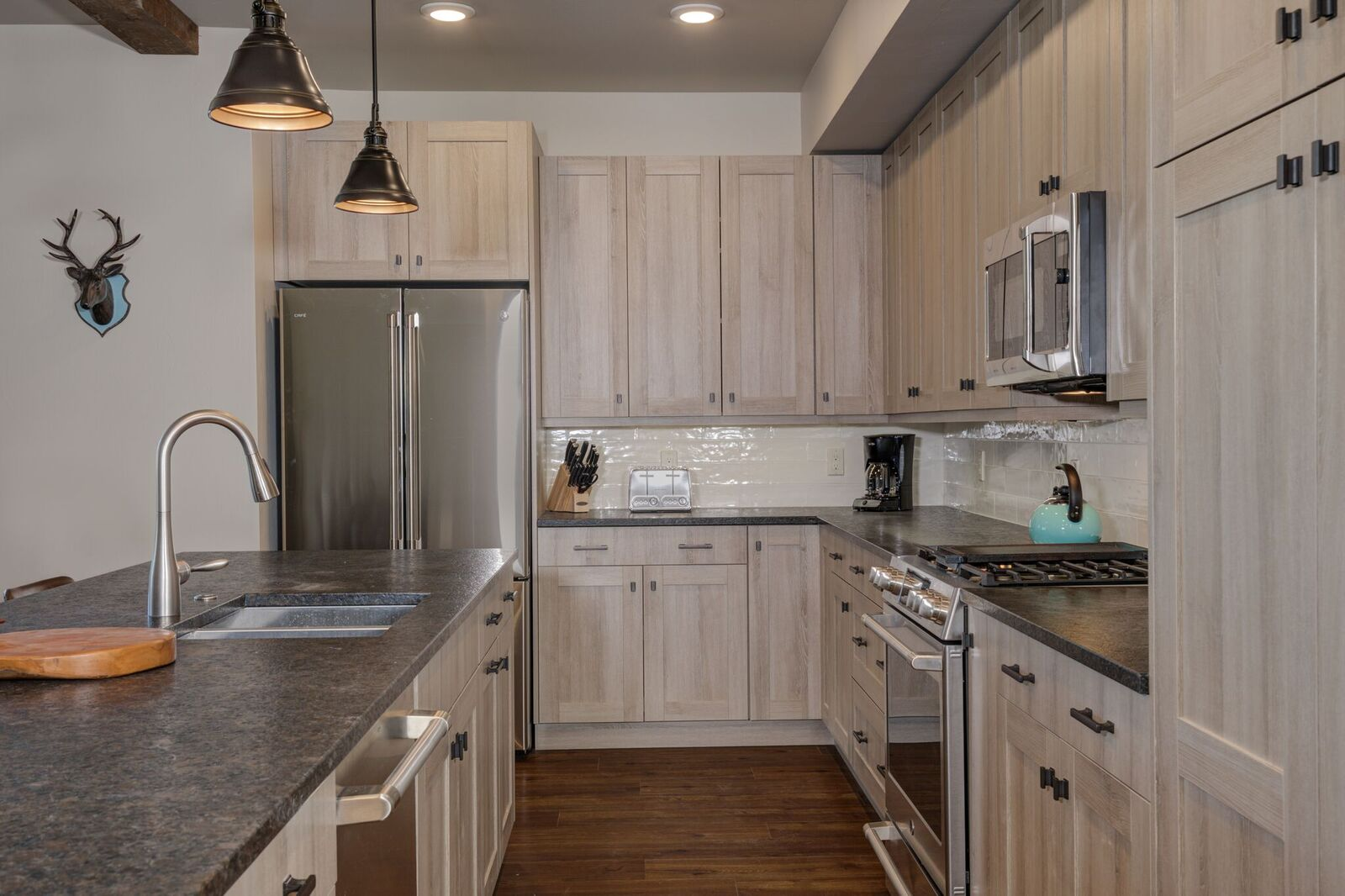 301 Kitchen.jpeg