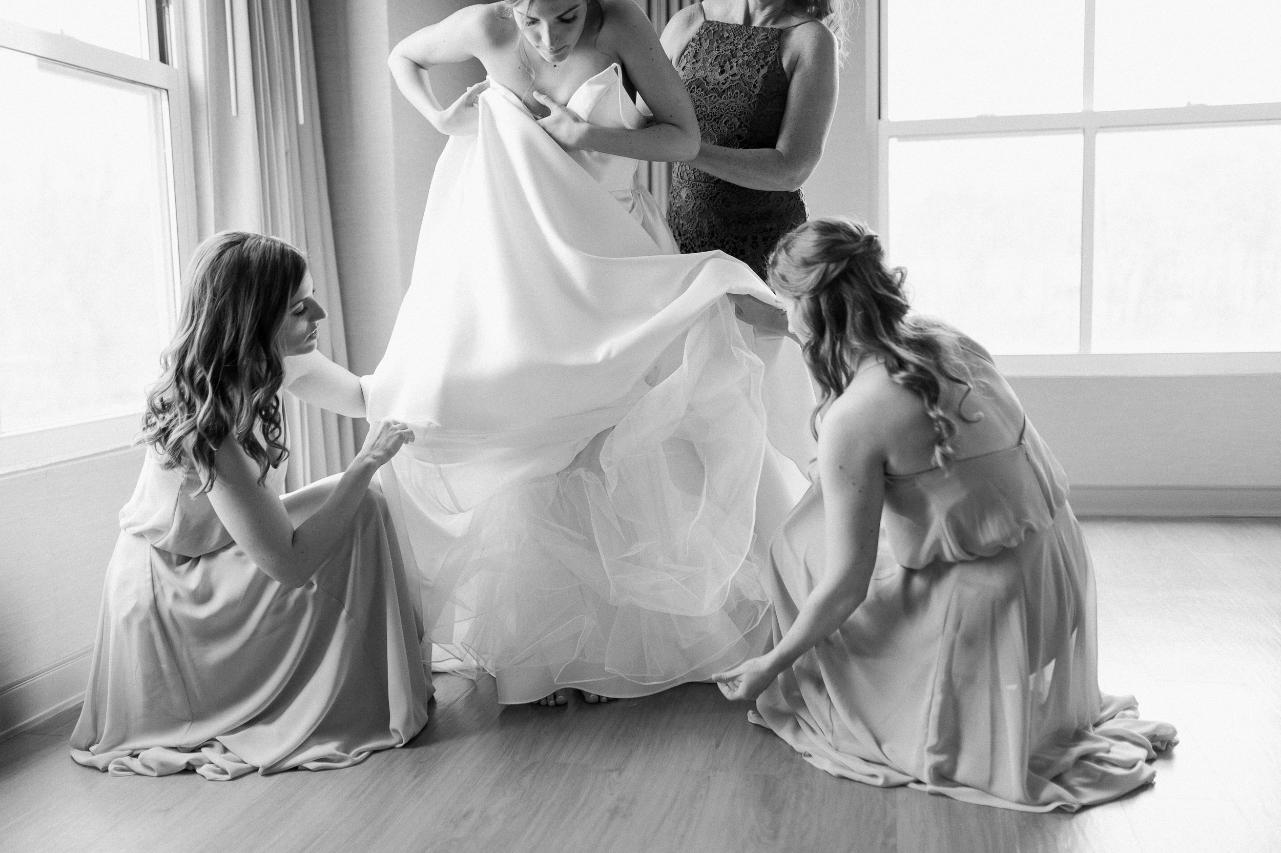 bride and sisters_bride getting ready_lace factory wedding CT