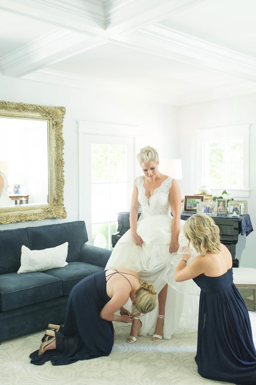bride getting ready_ stamford ct wedding_stamford wedding photographer