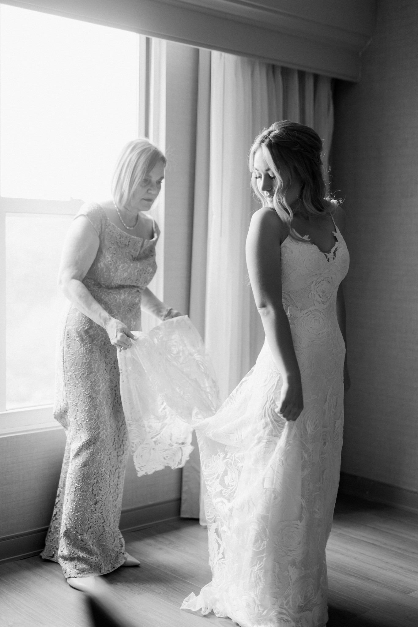 black and white wedding photos__ct wedding_ct wedding photographer-2_Easy-Resize.com.jpg