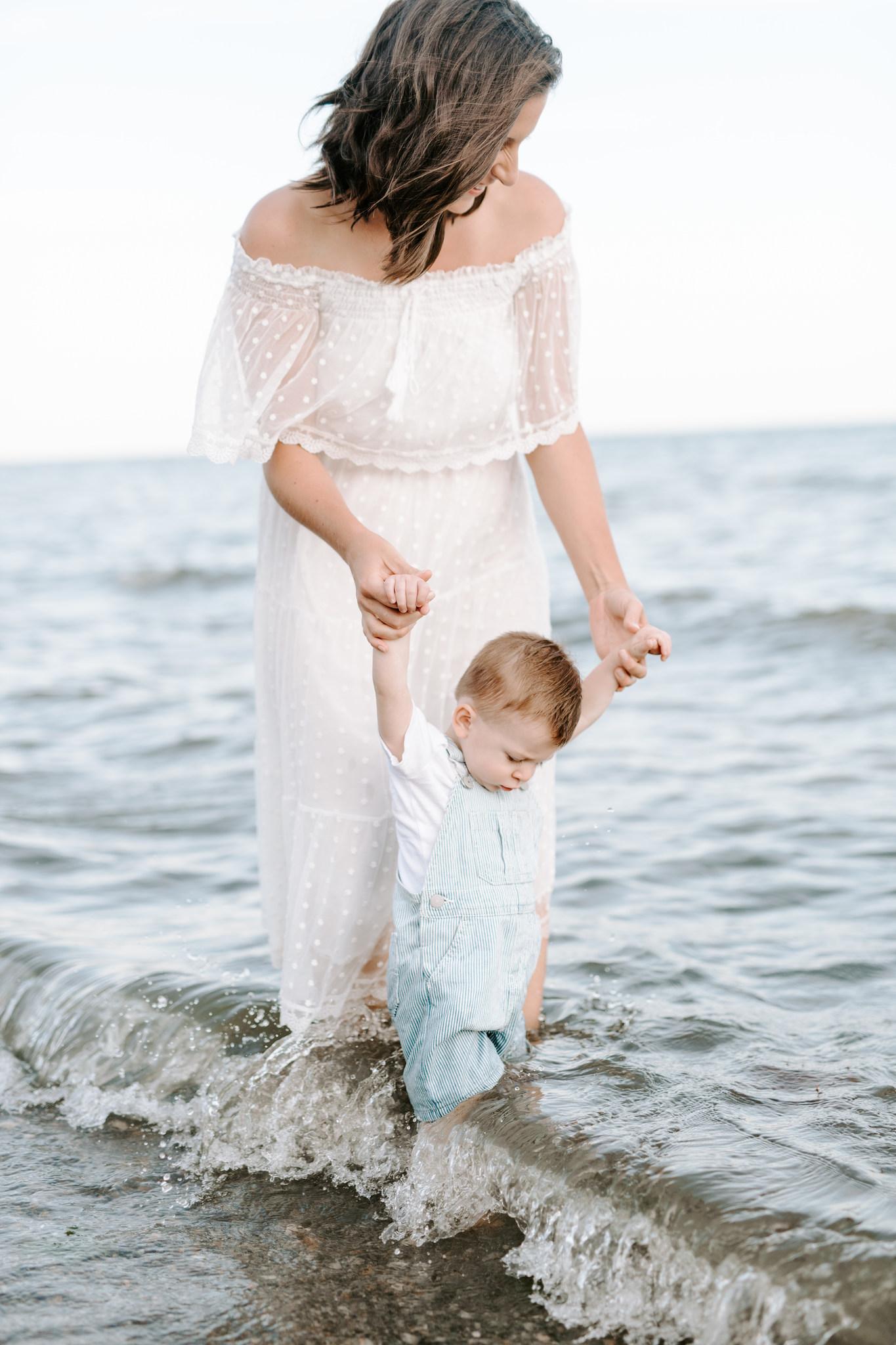 CT family photographer_CT beach photos_family photographer fairfield county-10.jpg