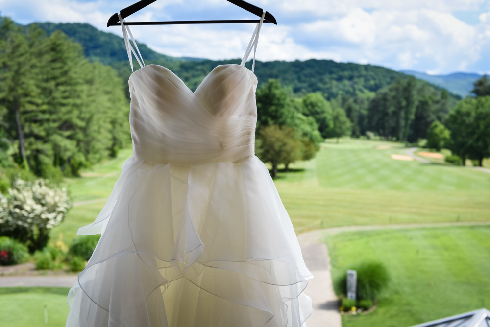 Outdoor June Wedding In The Nc Mountains London And Josh Wildwood Media Asheville Wedding Videographer Asheville Photographer