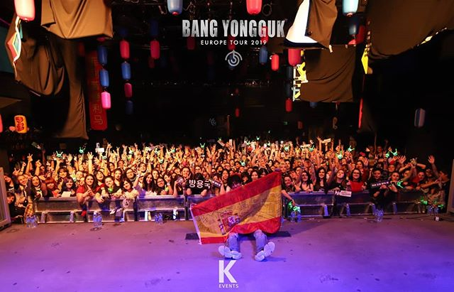 THANK YOU SPAIN!!! 🇪🇸 ♡ MUCHAS GRACIAS 🖤 #BANGYONGGUKINMADRID . . @djebony87 opening act 🔥🎧 . . 📸 © @jchunghee - Chung Hee Jee Photographer for #KEvents . . .  WWW.OFFICIALKEVENTS.COM  Please follow @officialkevents on Facebook, Instagram and Twitter . . .  #방용국 #babyz #yamazaki #hikikomori #xiexie  #bangyonggukEuropeTour #concert #tour #Gotham #MADRID . NEXT: London 🇬🇧 ready?
