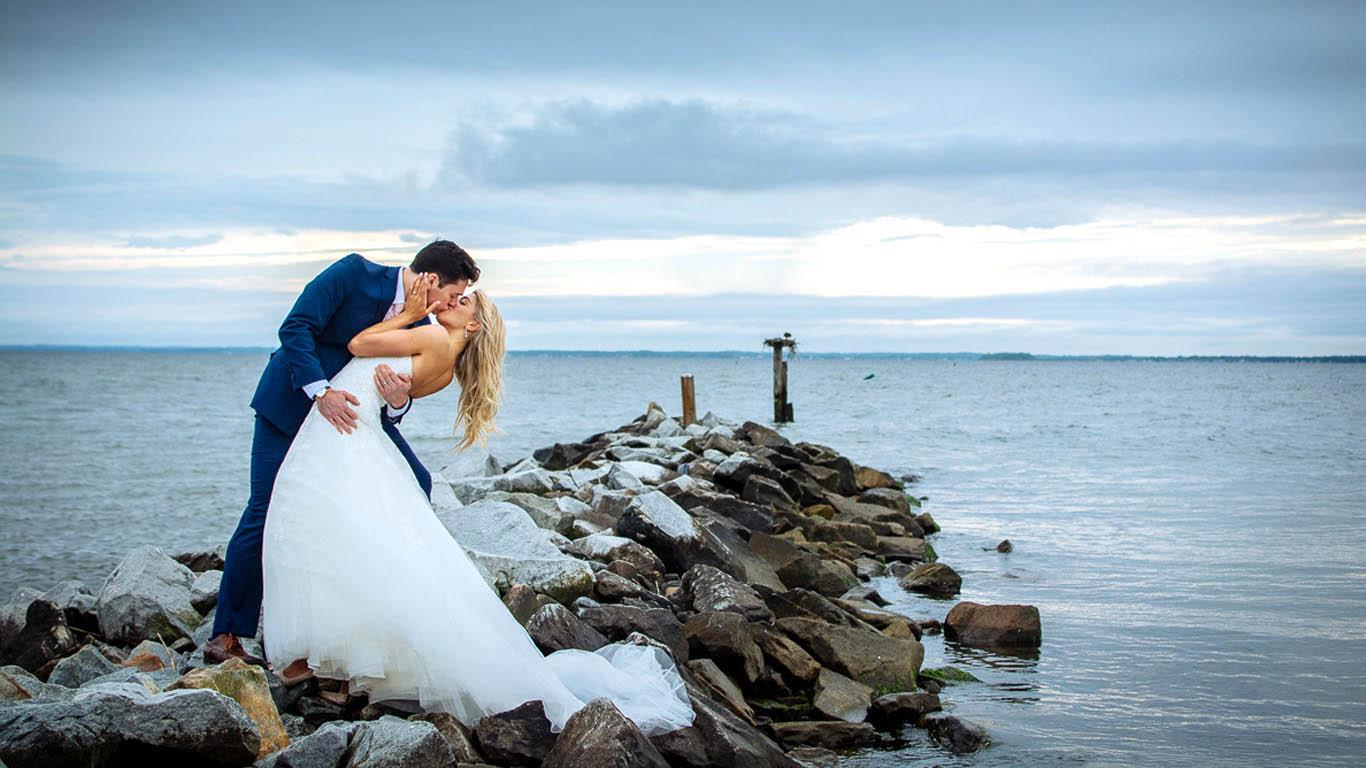 silver-swan-bayside-wedding.jpg