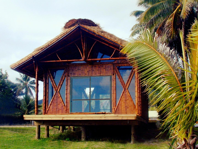 Bamboo Living cottage in Rarotonga  before  the hurricanes.