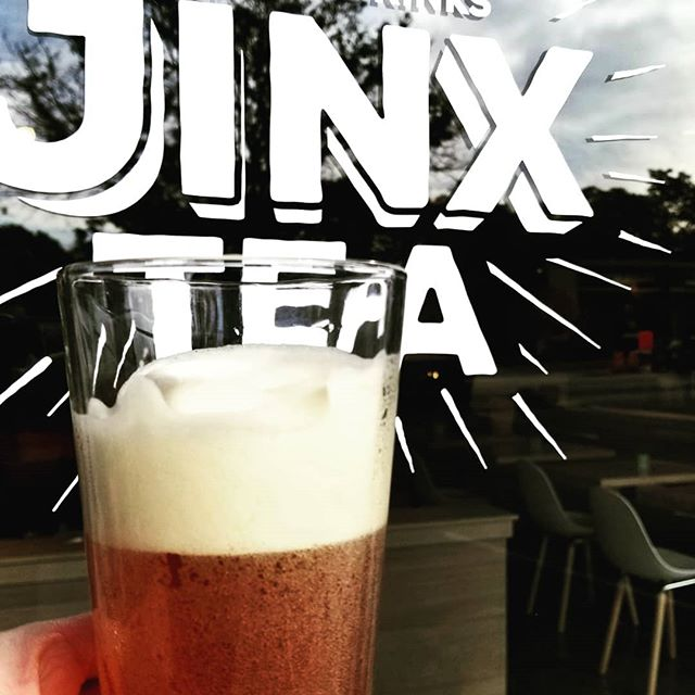 Have you tried Jinx Cream Soda yet??? Nitrogen-infused, caffeine-free rooibos herbal tea, lightly sweetened with 🍁maple🍁syrup - DELICIOUS. 😋  #tea #organictea #herbaltea #caffeinefree #maplesyrup #rooibos #jinxtea #creamsoda #nitrogeninfusedcoldbrew #coldbrew #falldrinks #lindenhills #minneapolis