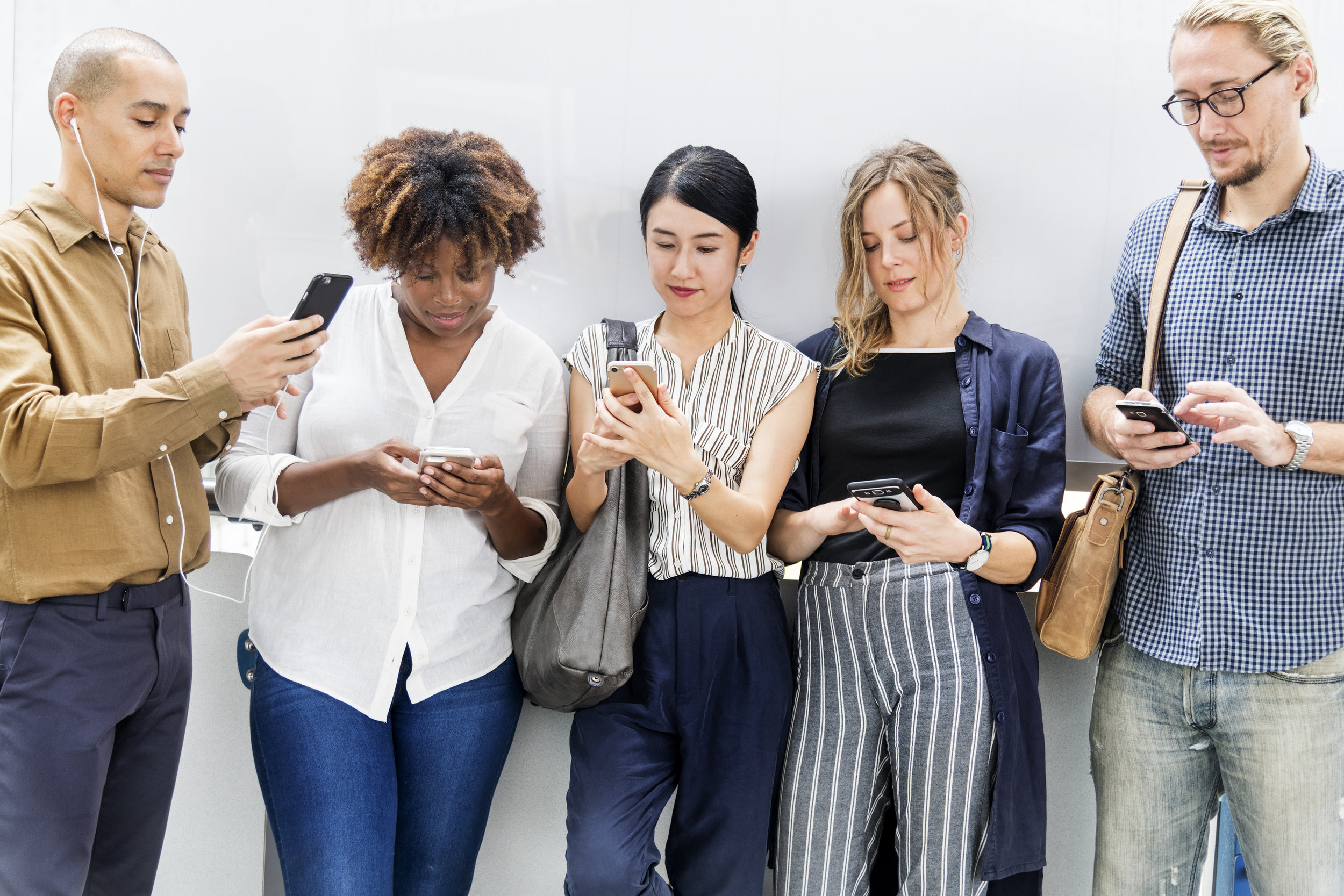 Direct & Personal customer service - By choosing CYBERMO for your business mobiles, you'll benefit from unrivalled customer service. No matter which network you choose, you'll always deal with us directly via your dedicated account manager who really knows your account.