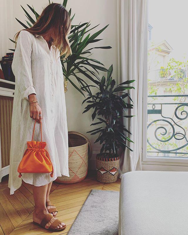 Orange Juice please 🍊 . . . #soir_paris #soir_clutch #bucketbag #minibag #satinbag #sacdusoir #sacdejour #sacbijoux #fashionbag #parisianbag #parisianbrand #fashionbrand #svarowski #madeinfrance #madeinparis #paris