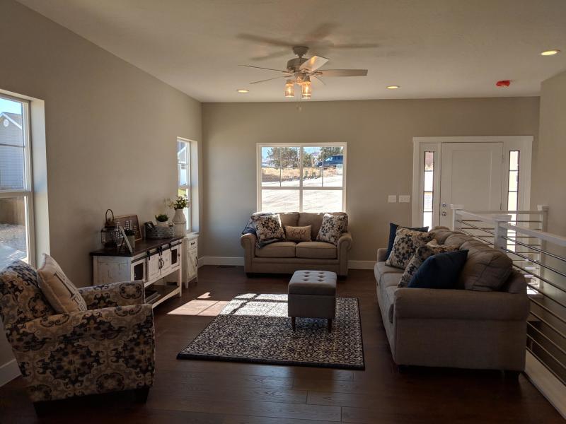 Pad 6 Interior Livingroom.jpg
