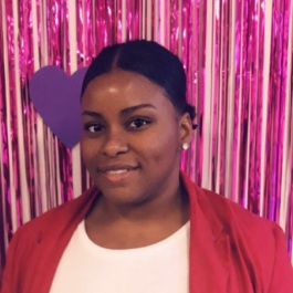 Kiara F. - Payroll Manager
