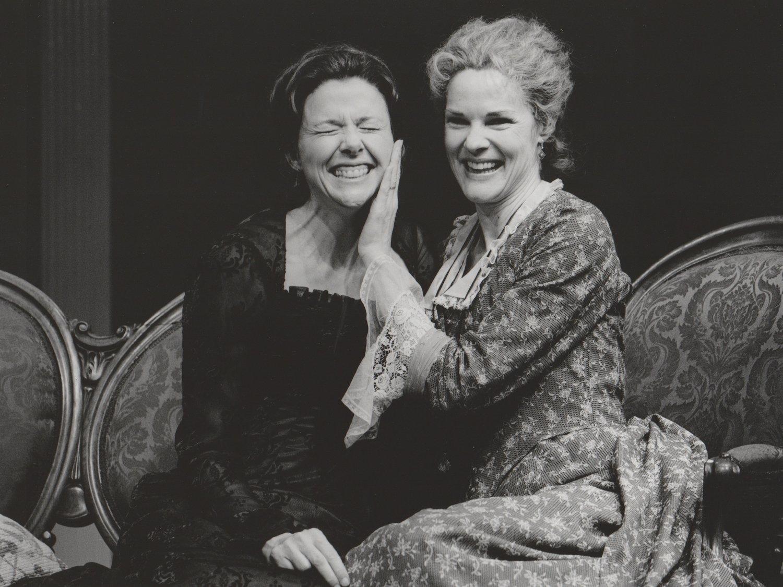 Hedda Gabbler   with Annette Bening