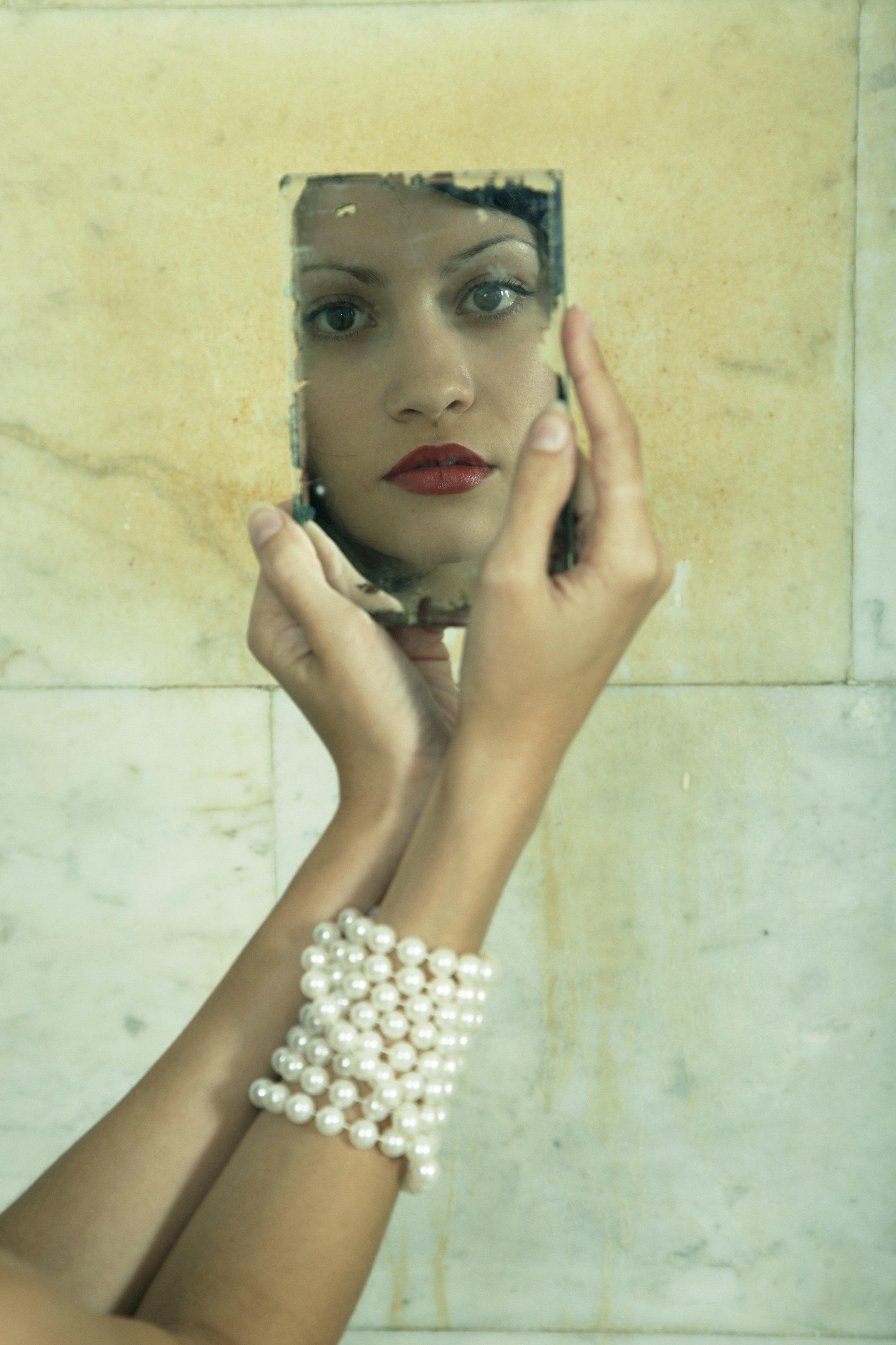 Woman-mirror-beauty.jpg