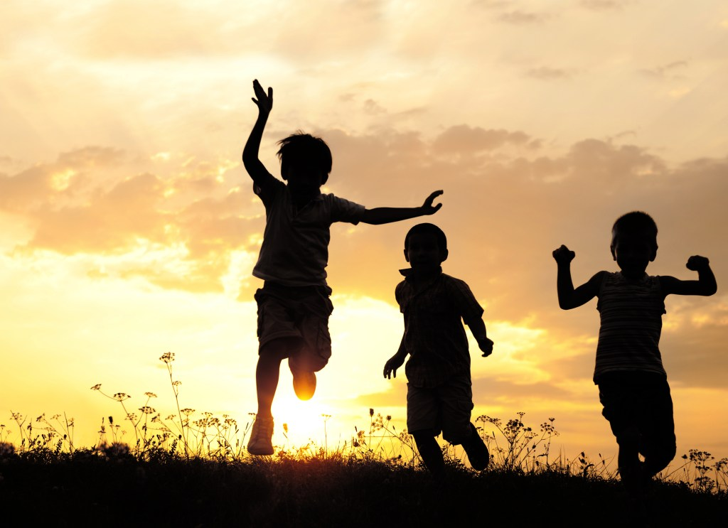 happy-kids-silouette.jpg