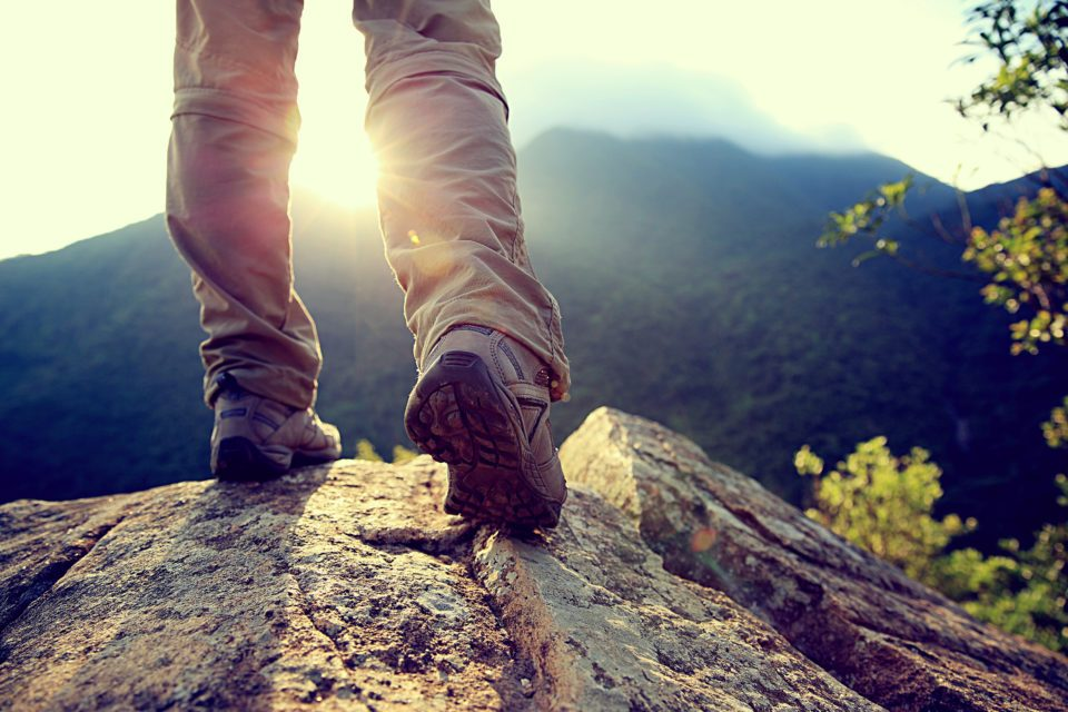 hikers-on-mountain-top-960x640.jpg
