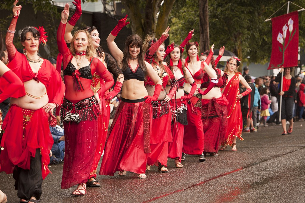 belly-dancers-street.jpg