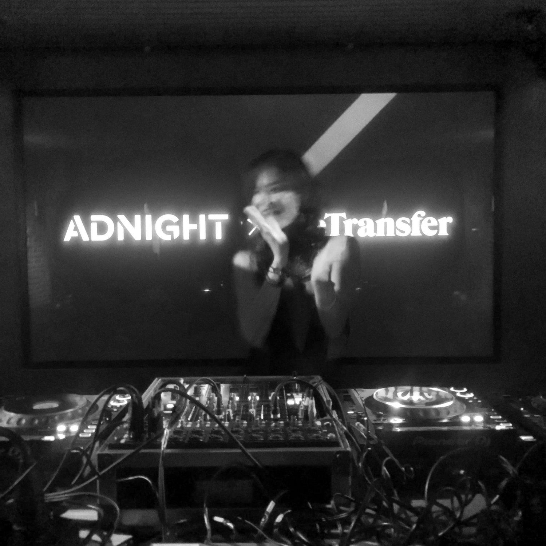 Wat stond DJ Emanuelle Vos te shinen achter de decks.