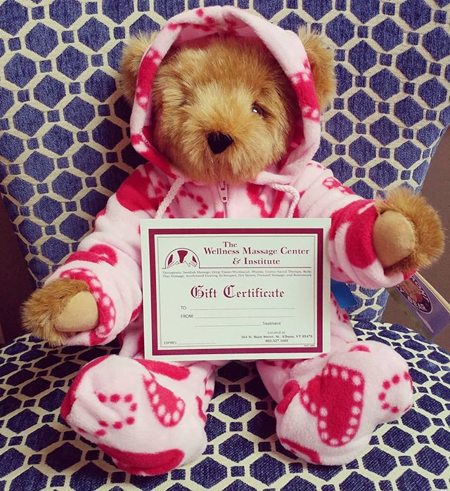 💕 Love is in the air 💕Get your Valentine a massage this year. Now until Feb 15th, get $5 off your eGift Card purchase!  Link in bio. Offer only applies to online purchases. Bear not included. 😉 #cutestbearever #vtteddybear #massagewillgetyoubrowniepoints #wewillworksoyoudonthaveto #wellnessmassagecenter #wellnessmassagevt