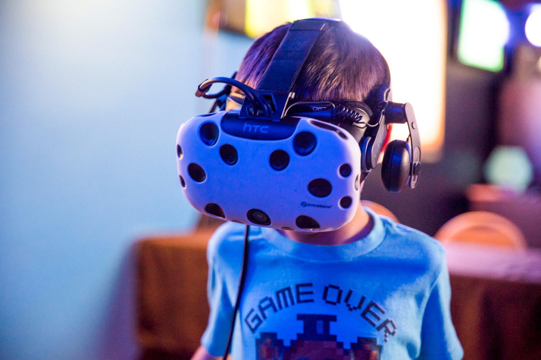 Arctic-Sun-Virtual-Reality-Arcade-Alaska-Mobile-Events-VR.jpg