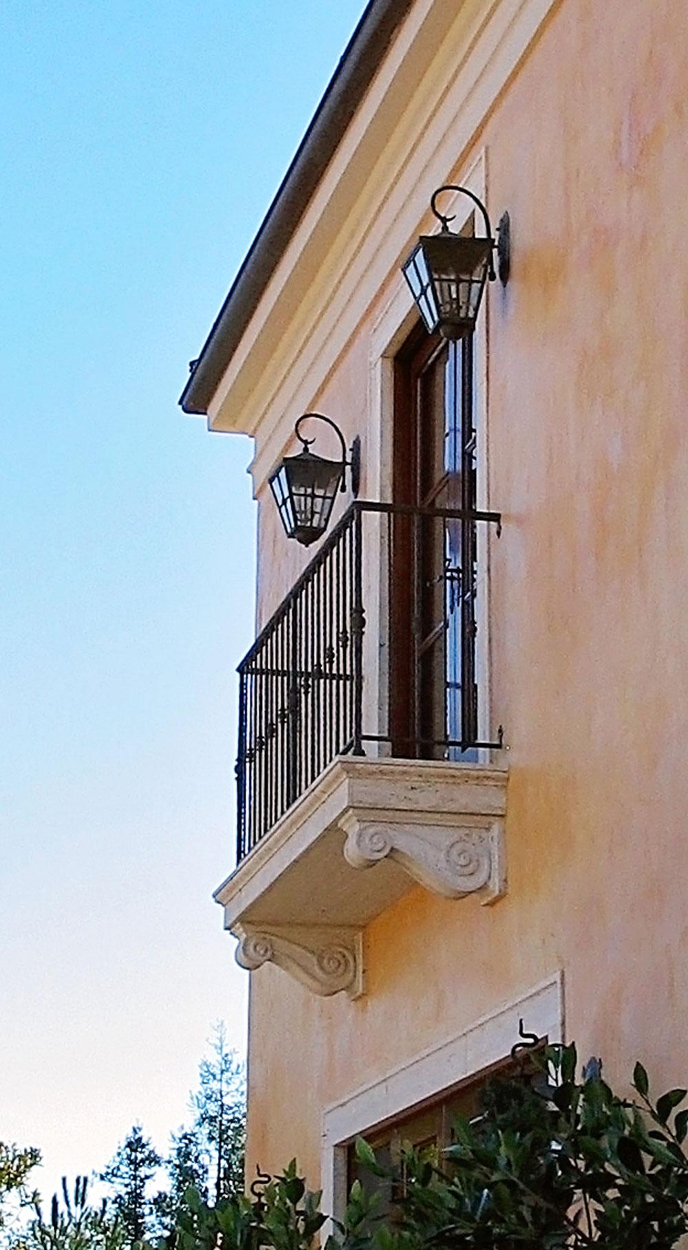 4-window-walk-exterior-dee-carawan.jpg