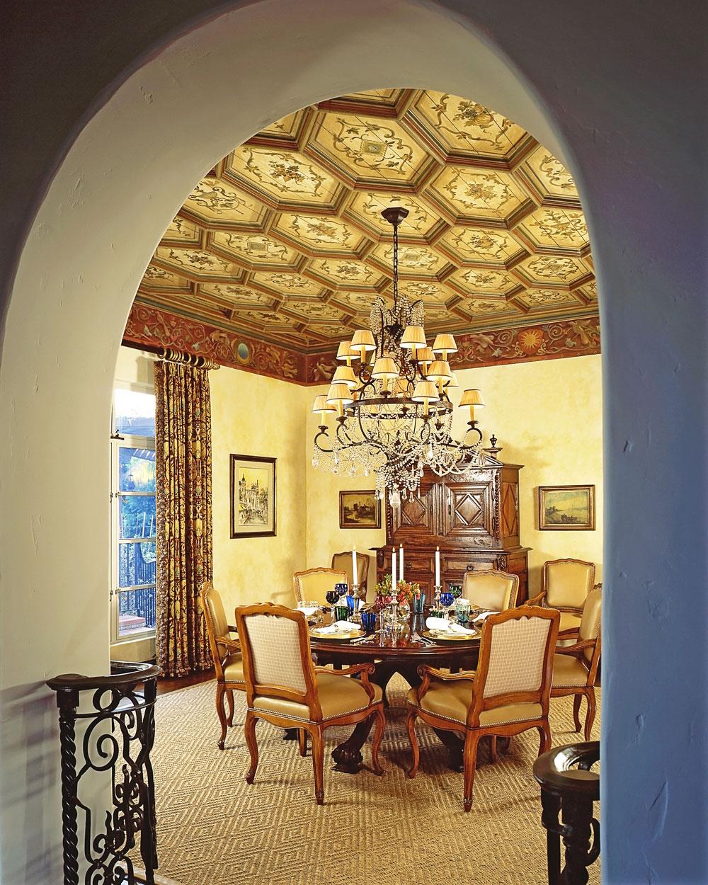 6-dining-room-chandelier-dee-carawan.jpg
