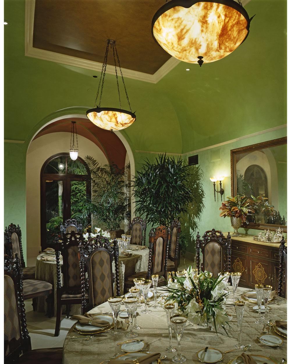 5-Dee-Carawan-dining-room.jpg