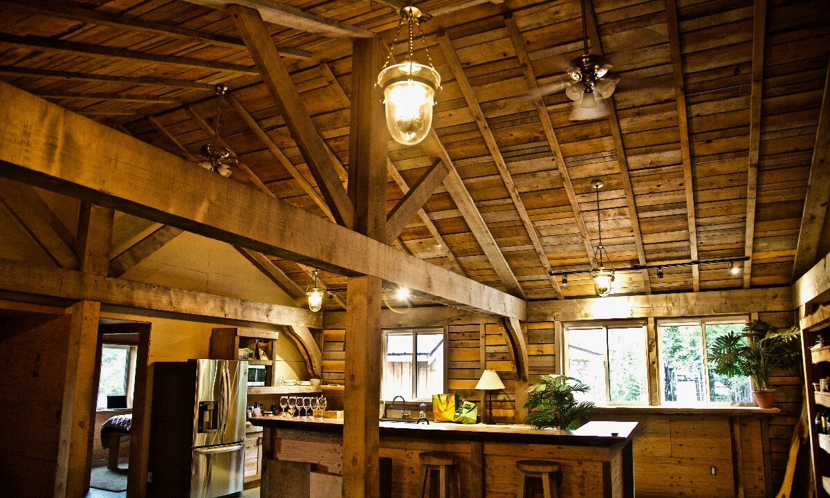 The Lofthouse - Focusing on adventurous groups and families of up to 10 guests, the Lofthouse at Kapoose features a rustic style post-and-beam lodge situated at a Trail Head to the deep forest of the Kapoose Creek headwaters.