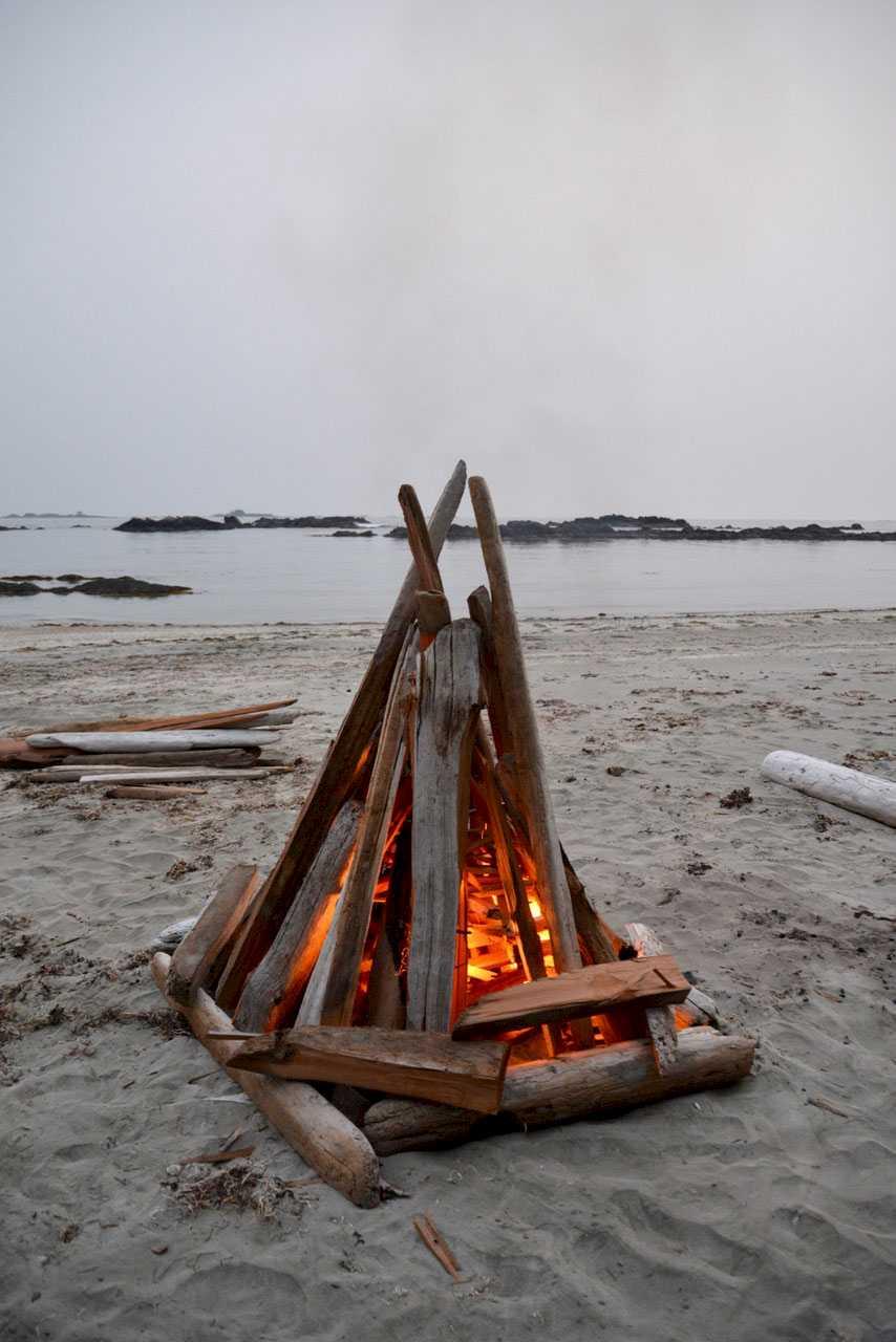 kapoose-creek-beach-fire.1400x0.jpg