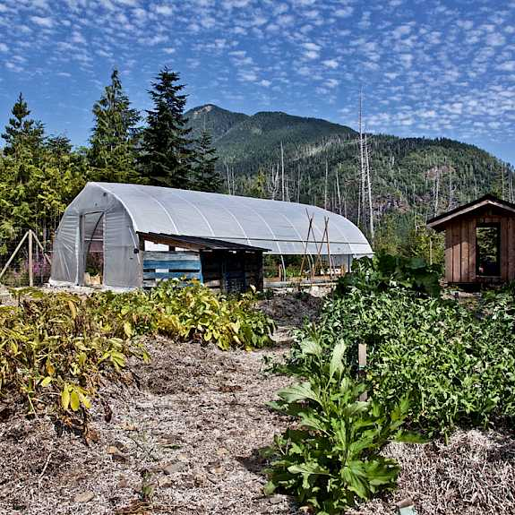 kapoose-creek-retreat-greenhouse.575x575p50x50.jpg