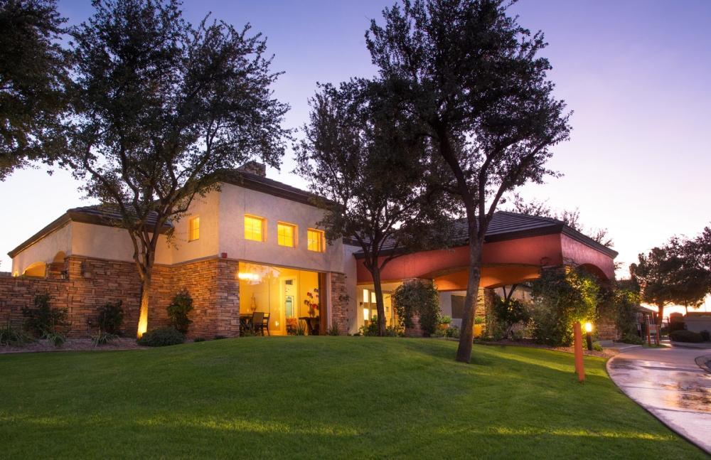Symphony Apartments - Chandler, AZ