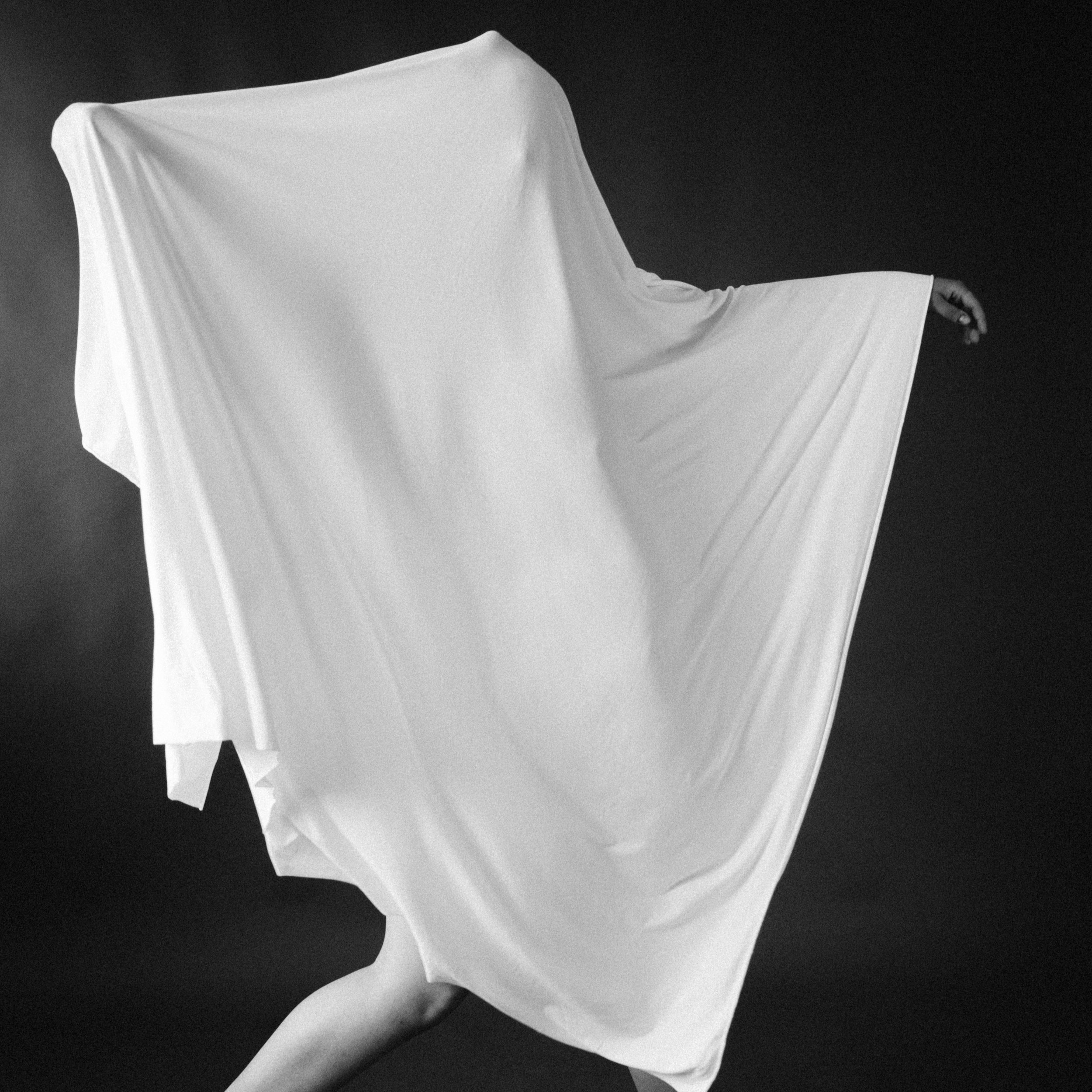 Dancing With a Ghost - a series of photographs with the dancer Paige Omara.- Spring 2019