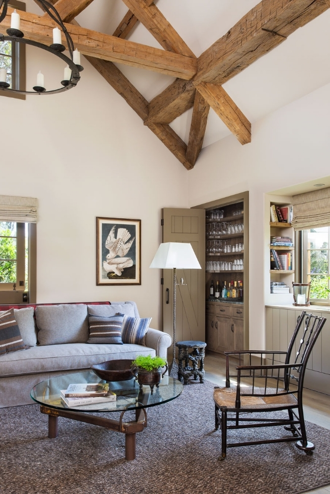 6b-WardJewell-livingroom-built-in-bar.jpg
