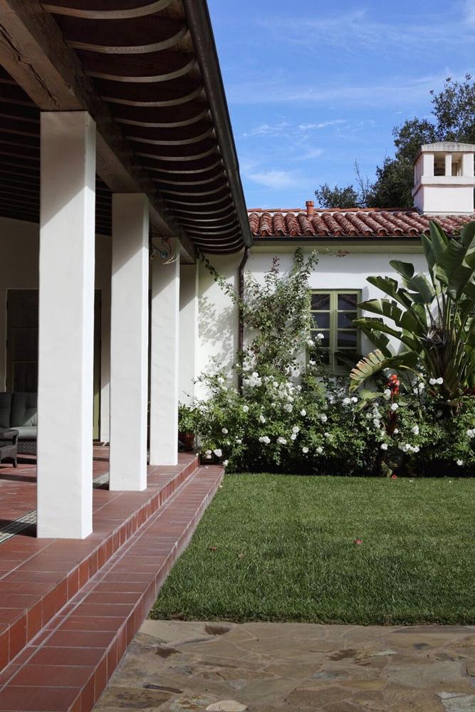 4a-setos-backyard-steps-canopy.jpg